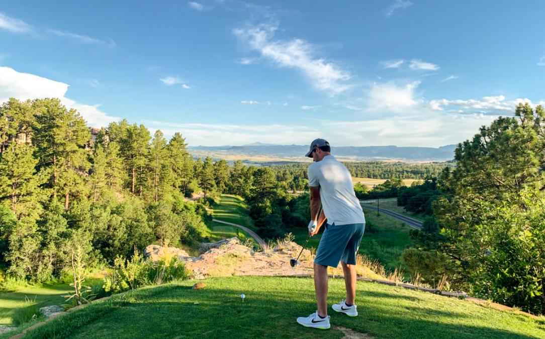 ゴルフ初心者がトップ打ちする3つの原因とは?対策も解説!