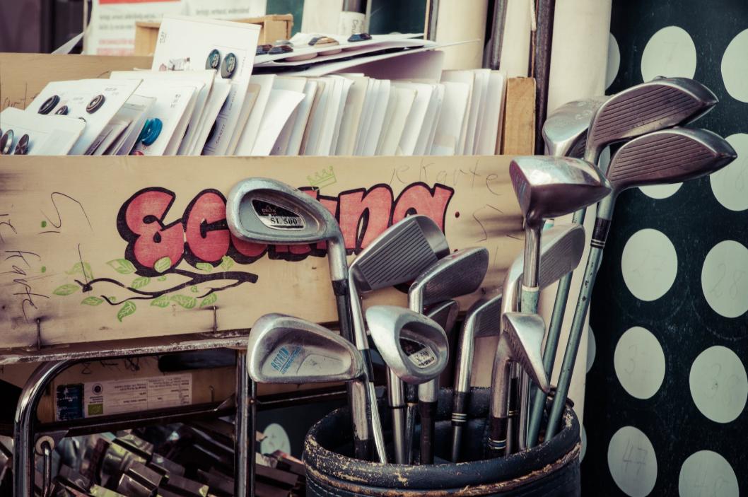 ゴルフクラブのグリップを交換する目安は?初心者でもできる?