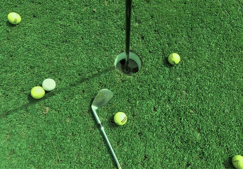 ゴルフ初心者必見!アイアン7番がボールに当たらない3つの理由とは?
