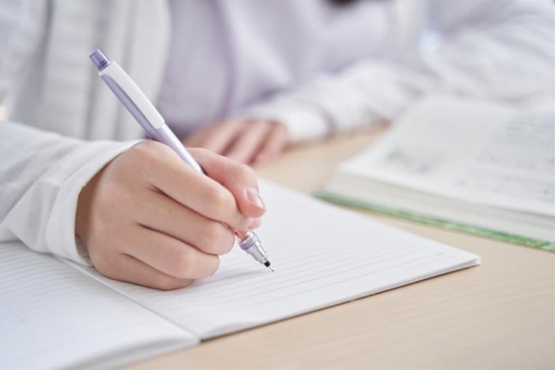 中学生向けのオンライン家庭教師を4つのポイントで解説!